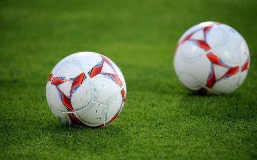 http://www.mediasportif.fr/wp-content/uploads/2014/01/un-ballon-de-football.jpg