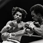 Sugar Ray Leonard Hits Robert Duran in Fight